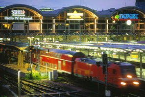 Zug im Mainzer Hauptbahnhof © Landeshauptstadt Mainz