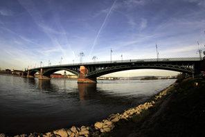 Theodor-Heuss-Brücke aus Sicht von Mainz-Kastel © Landeshauptstadt Mainz
